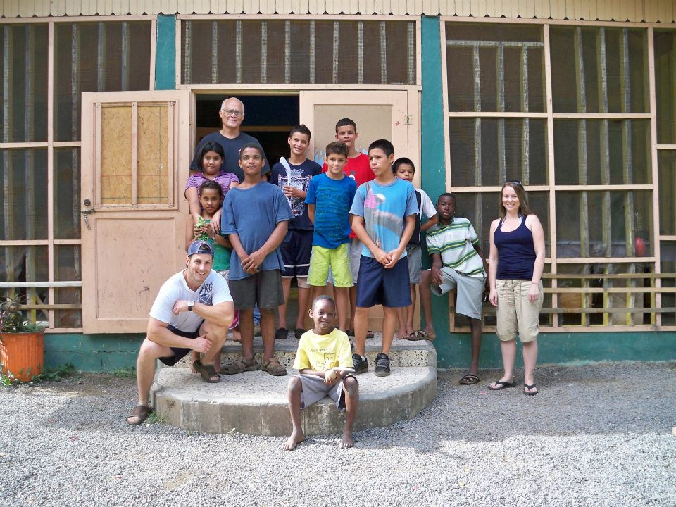 Steve, Lisa, and a few of the children from our first visit to the Majken Broby Children's Home in Roatan, back in 2011.